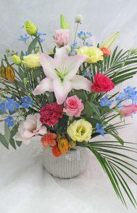 IMG_2573 ¥2700季節の花アレンジ